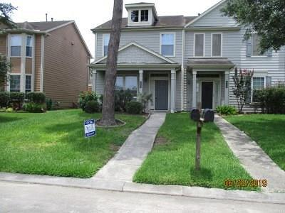Spring Condo/Townhouse For Sale: 2323 Walnut Fair Lane