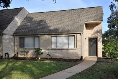Condo/Townhouse For Sale: 6448 Alisa Lane
