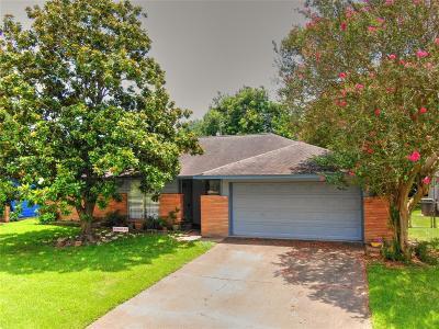 Pasadena Single Family Home For Sale: 3310 Tanglebriar Drive