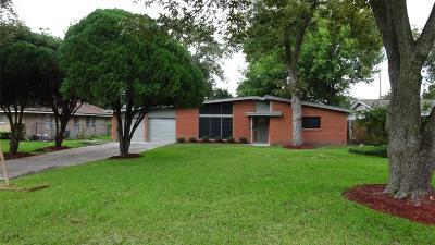 Houston TX Single Family Home For Sale: $239,990