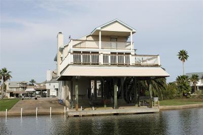 Tiki Island Single Family Home For Sale: 503 Paradise Drive