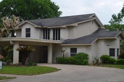 Columbus TX Single Family Home For Sale: $399,900