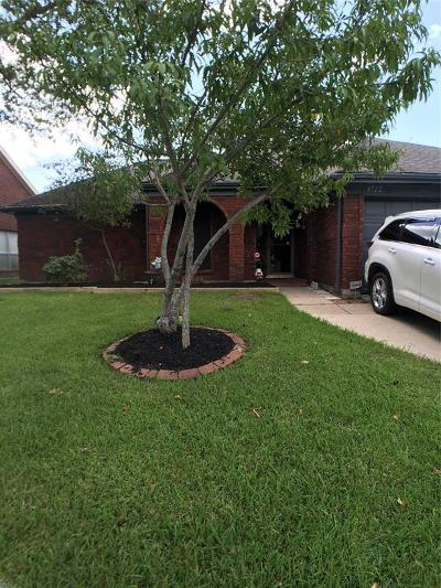 Friendswood Single Family Home For Sale: 4722 Stonemede Drive