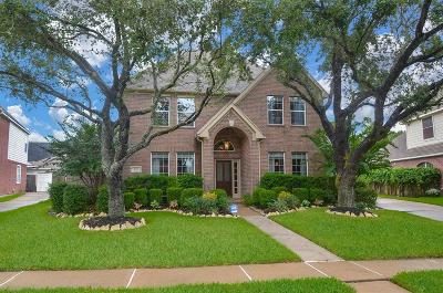 Sugar Land Single Family Home For Sale: 1715 Emma Cove