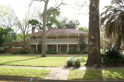 Liberty Single Family Home For Sale: 602 San Jacinto Street