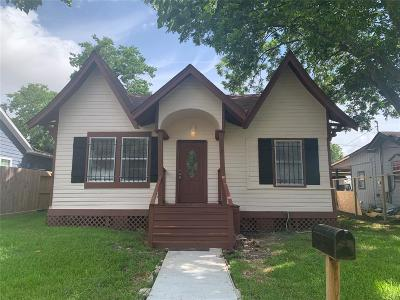 Baytown Single Family Home For Sale: 3218 Missouri Street