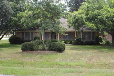 Rosenberg Single Family Home For Sale: 2405 Richard Street
