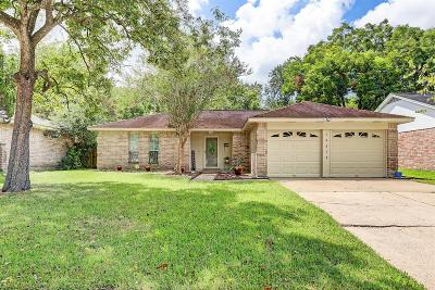 Friendswood Single Family Home For Sale: 16318 Forest Bend Avenue