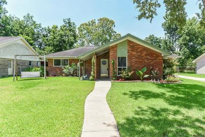League City Single Family Home For Sale: 142 Highland Terrace