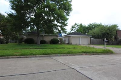 Friendswood Single Family Home For Sale: 505 Desert Aire Drive