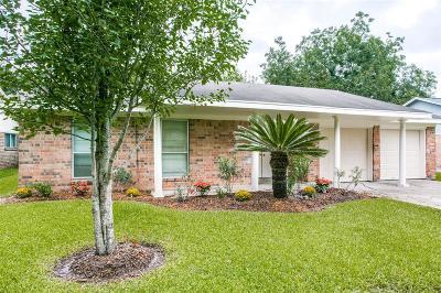 League City Single Family Home For Sale: 216 Oakwood Street