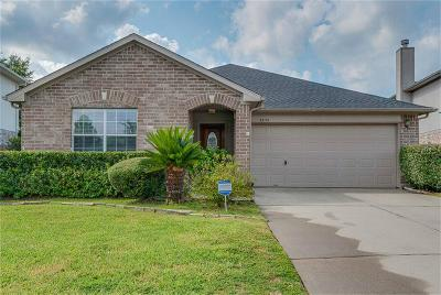 Single Family Home For Sale: 32115 Sue Lane