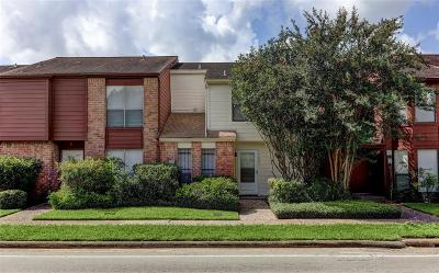 Houston Condo/Townhouse For Sale: 11227 Briar Forest Drive