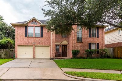 Friendswood Single Family Home For Sale: 15918 Camp Fire Road