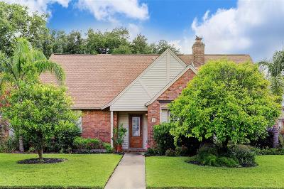 Galveston Single Family Home For Sale: 9 Colony Park Circle