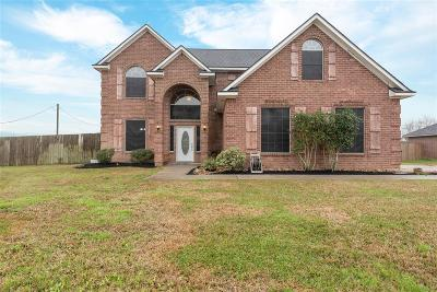 Baytown Single Family Home For Sale: 6214 Wildlife Way