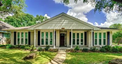 Houston Single Family Home For Sale: 10902 Chevy Chase Drive