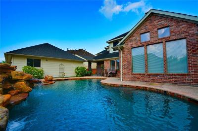 Humble TX Single Family Home For Sale: $445,000