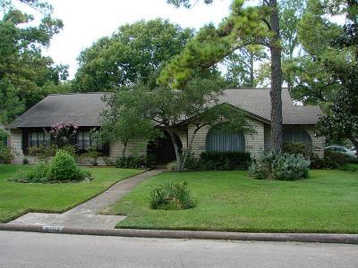 Houston Single Family Home For Sale: 9702 Moorberry Lane