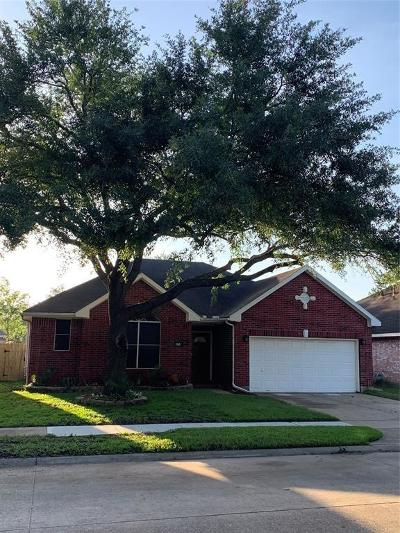 Pearland Single Family Home For Sale: 915 Portsmouth Drive