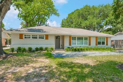 Houston Single Family Home For Sale: 1832 Chimney Rock Road