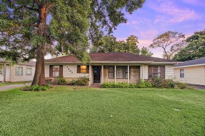 Oak Forest Single Family Home For Sale: 1807 Gardenia Drive