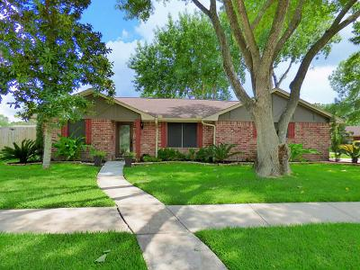 Sugar Land Single Family Home For Sale: 13447 Greenbriar Drive