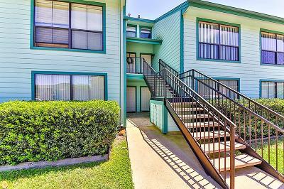 Willis Condo/Townhouse For Sale: 7041 Kingston Cove #152