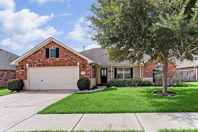 Sealy Single Family Home For Sale: 228 S Lantana Circle
