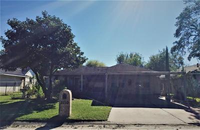 Houston Single Family Home For Sale: 3710 Beau Lane