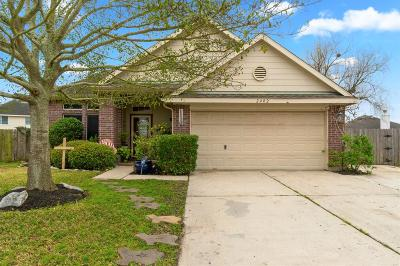 Deer Park Single Family Home For Sale: 2402 Seguine Drive