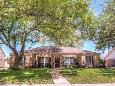 Harris County Single Family Home For Sale: 12118 Queensbury Lane