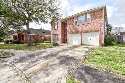 Fresno TX Single Family Home For Sale: $170,000