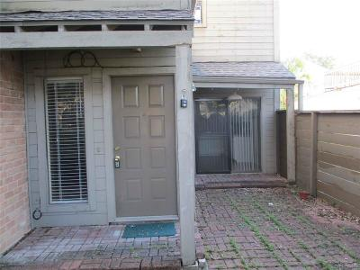 Houston Condo/Townhouse For Sale: 1624 Prairie Grove Drive