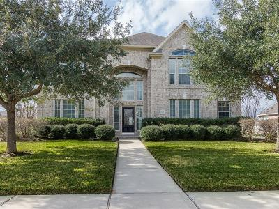 Single Family Home Pending Continue to Show: 2615 Thompson Crossing Drive