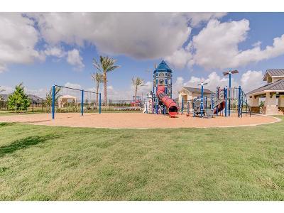 Single Family Home For Sale: 13918 Burnett Hills