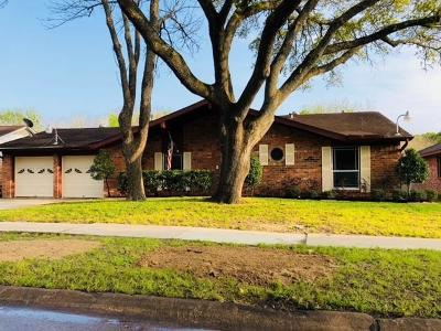 Friendswood Single Family Home For Sale: 5123 Shady Oaks Lane