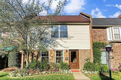 Bellaire Condo/Townhouse For Sale: 6506 Gambier Lane