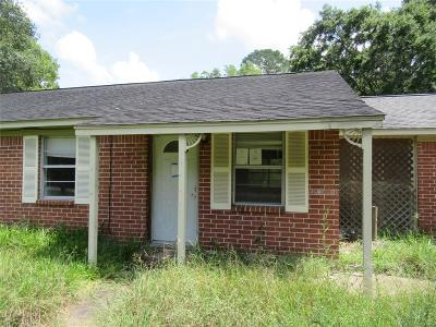 Alvin TX Single Family Home For Sale: $130,000