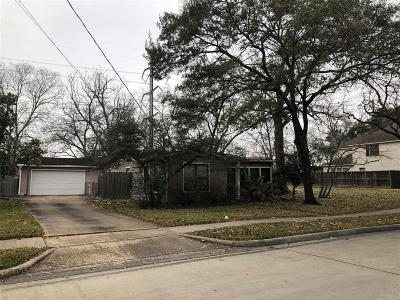 West University Place Single Family Home For Sale: 6220 Community