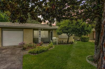 Oak Forest Single Family Home For Sale: 5410 De Milo Drive
