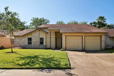 Single Family Home For Sale: 17719 Autumn Hills Drive