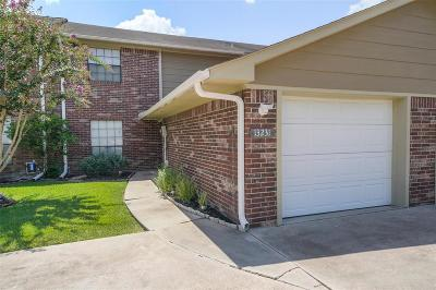 Willis Condo/Townhouse For Sale: 13231 Bluff View Drive