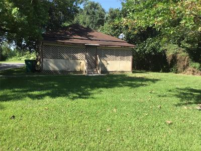La Marque Single Family Home For Sale: 2810 Main Street