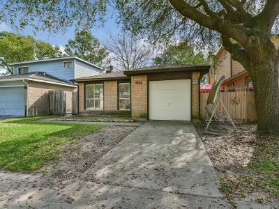 Houston Single Family Home For Sale: 7826 Hillbarn Drive
