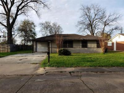 Angleton Single Family Home For Sale: 209 Swift Street