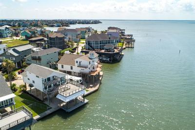 Tiki Island Single Family Home For Sale: 345 Admiral Circle