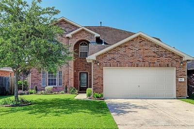 Alvin Single Family Home For Sale: 700 Elizabeth Street