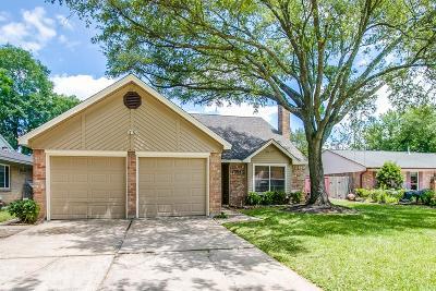 Single Family Home For Sale: 15911 Havenhurst Drive