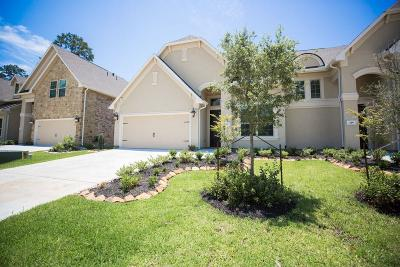 Conroe Condo/Townhouse For Sale: 152 Silver Sky Street